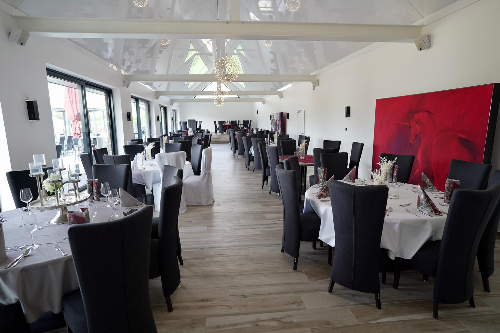 Neue Hochzeitslocation in Düren: Der große Gesellschaftssaal im Roten Einhorn
